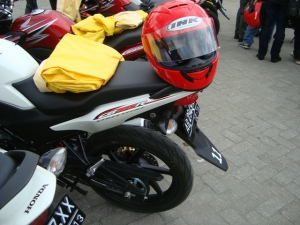 bengkelsepedamotor-honda-cb150r-streetfire-06